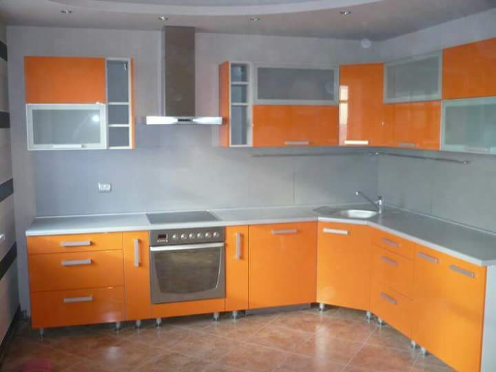 Kitchen Cabinets With Glass Doors For A Sparkling Modern Home