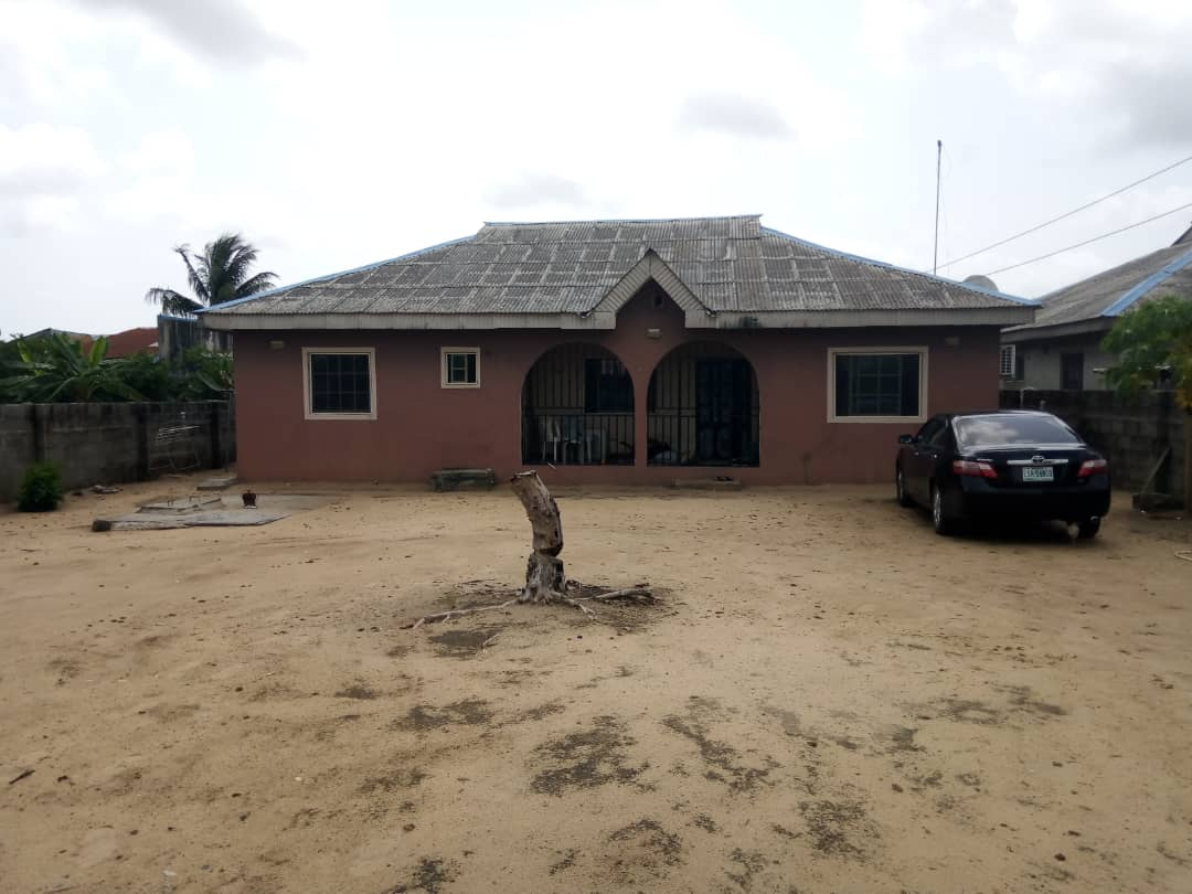 A Four Bed Room Bungalow House For Sale